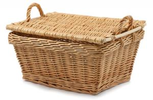 Wicker-Gift-Baskets-with-side-handles