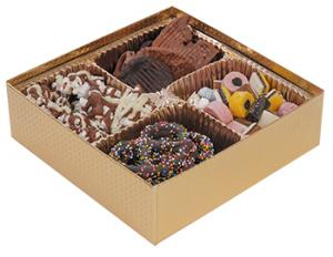 Pretzel-Nut-Boxes-with-Clear-Lids-Collection