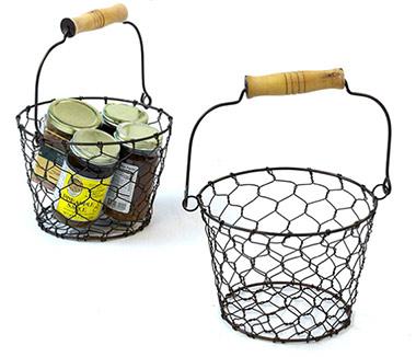 Brown 7 in Round Basket Wood Handle